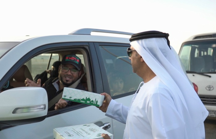 Dubai Police distribute 30,000 Iftar Meals to motorists