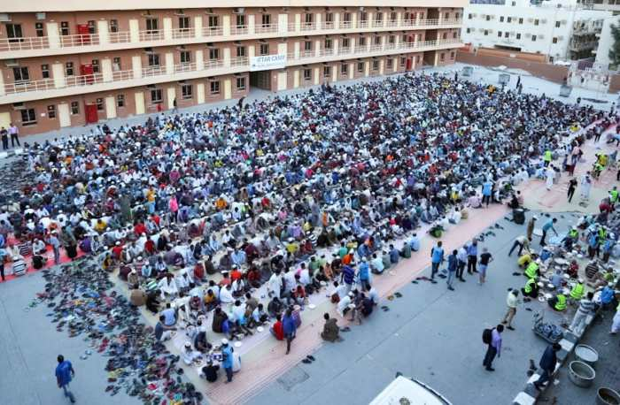 Dubai Police organize mass iftar for workers